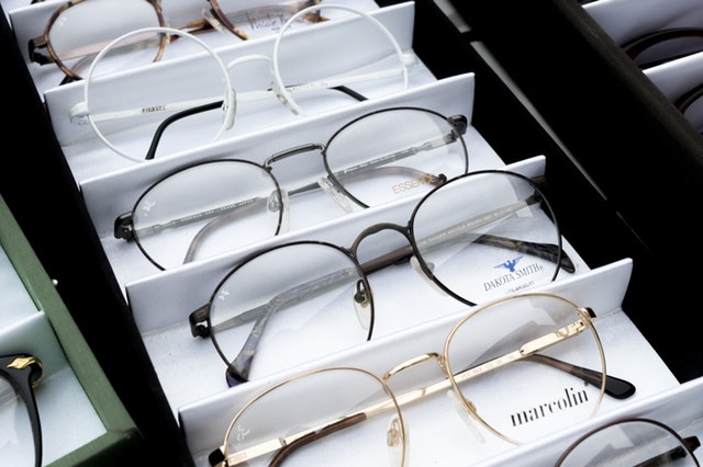 Glasses Salisbury: How You Can Tell If You Need One